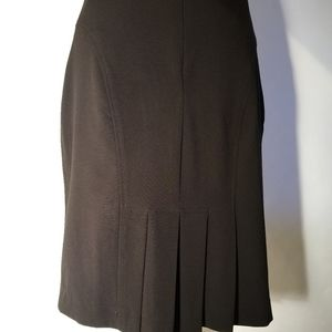Cute back kick pleat midi black skirt